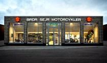 Fremover sælges der også Honda'er hos Brdr. Sejr Motorcykler, som ligger på hjørnet af Bøgegade og Randersvej i Århus.