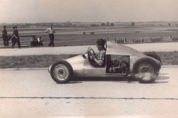 Dresdner Autobahnspinne 26.07.1953 Kleinstrennwagen