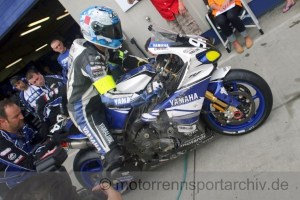 Die Spuren des Crashs beim Team Yamaha France GMT94