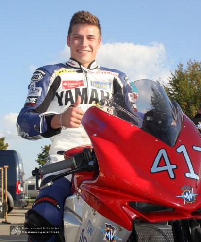 Manou Antweiler - Sieger des ersten Supersport-Rennens