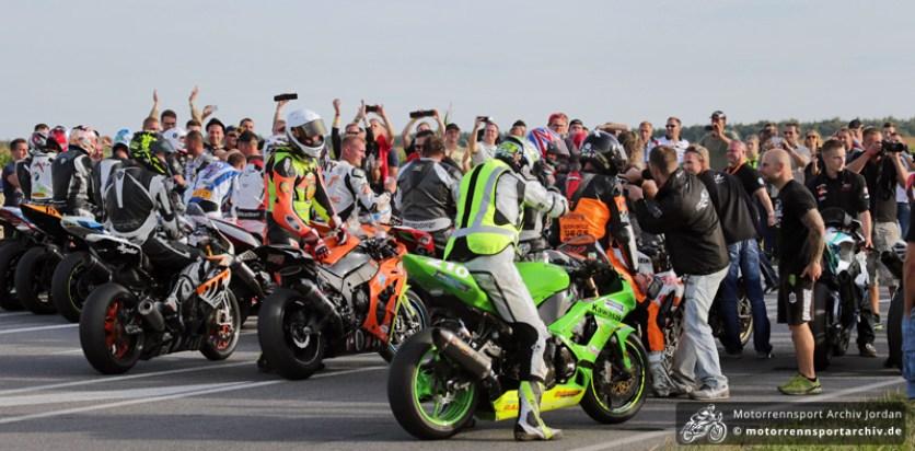 Die IRRC-Fahrer feierten den Saisonabschluss mit den Fans.