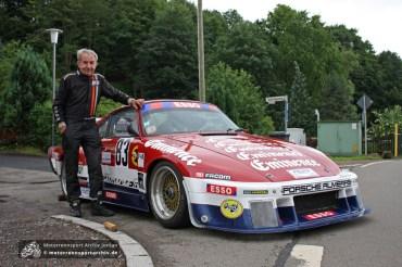 Jean-Marie Almeras, Berg-Europameister 1978, 1979 und 1980, war erstmals am Glasbach zu Gast. Seinen ikonischen Porsche 935 setzt der inzwischen 71jährige seit den 1980er Jahren in fast unveränderter Form bei Bergrennen in ganz Europa ein.