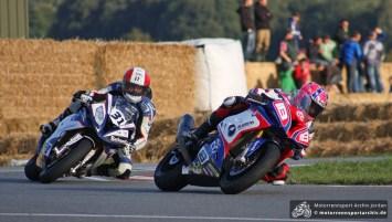 Frohburg-Newcomer Lee Johnston und Michael Rutter drehten im letzten IRRC-Superbike-Rennen richtig auf und machten den Sieg unter sich aus.