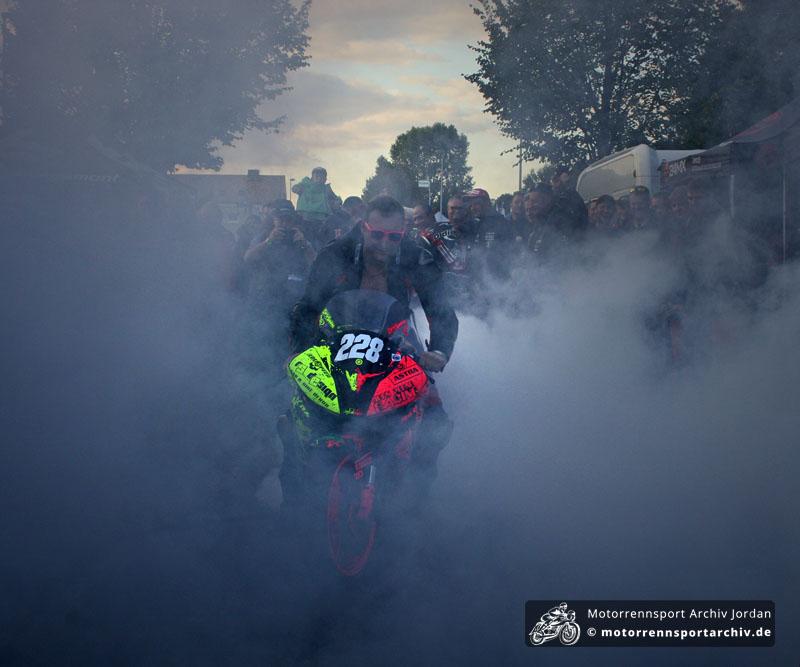 Denis Sanchez brannte das Fahrerlager nieder.