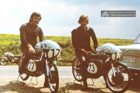 Ludwig Uhlig (links) und Reiner Steinert auf ihren legendären UHL-STEIN (SAR1974-S-BR-52)