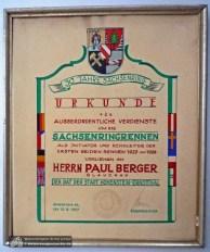 Die Stadt Hohenstein-Ernstthal ehrte Paul Berger anlässlich des 30jährigen Jubiläums der Rennstrecke und seines 70. Geburtstages 1957.