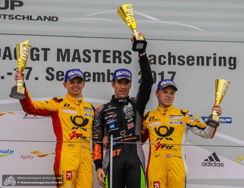 """Michael Ammermüller siegte im Porsche Carrera Cup vor den """"Postlern"""" Yelloly und Ten Voorde."""