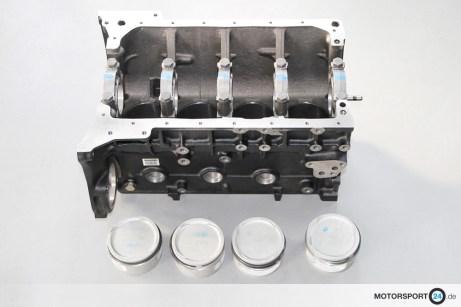 M3-E30-EVO-3_Motorblock_04