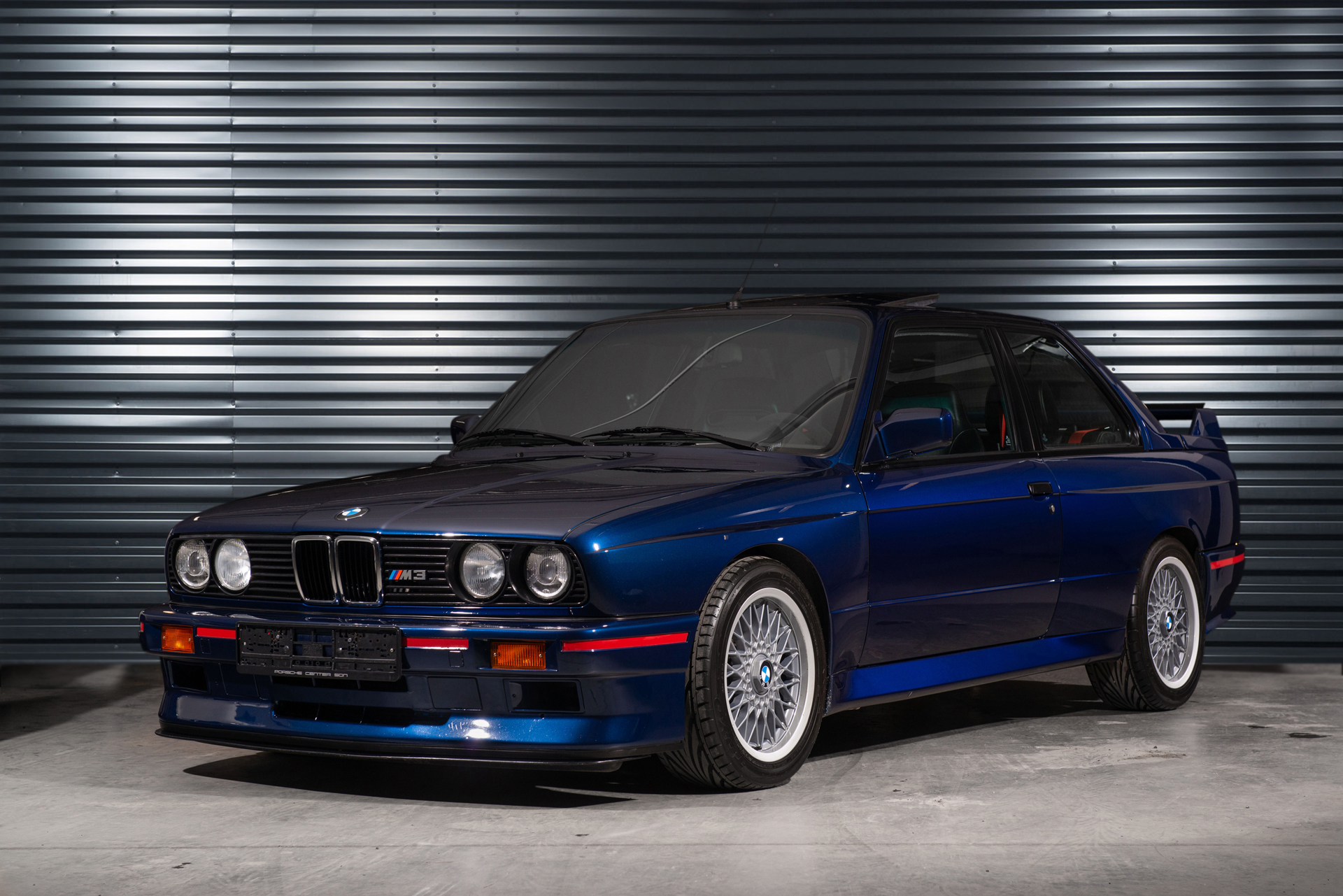 sold bmw m3 e30 sport evolution in mauritiusblau bmw m. Black Bedroom Furniture Sets. Home Design Ideas