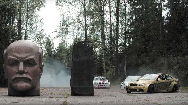 2 BMW M3 e um Nissan 350Z à solta numa base militar abandonada