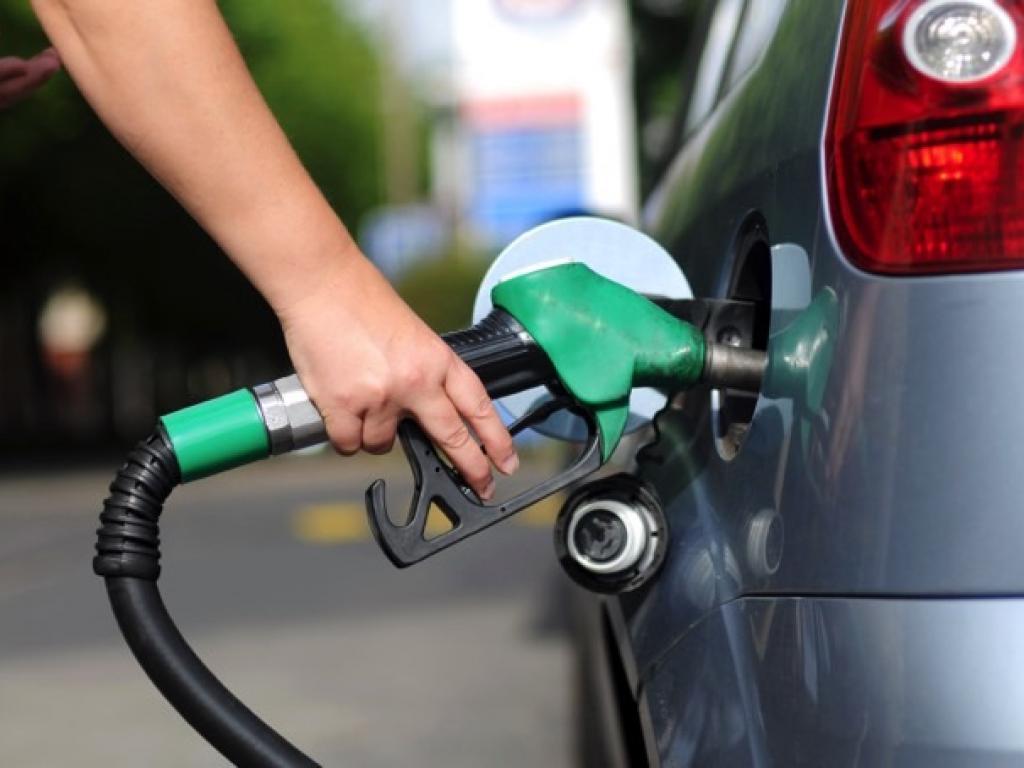poupar combustível