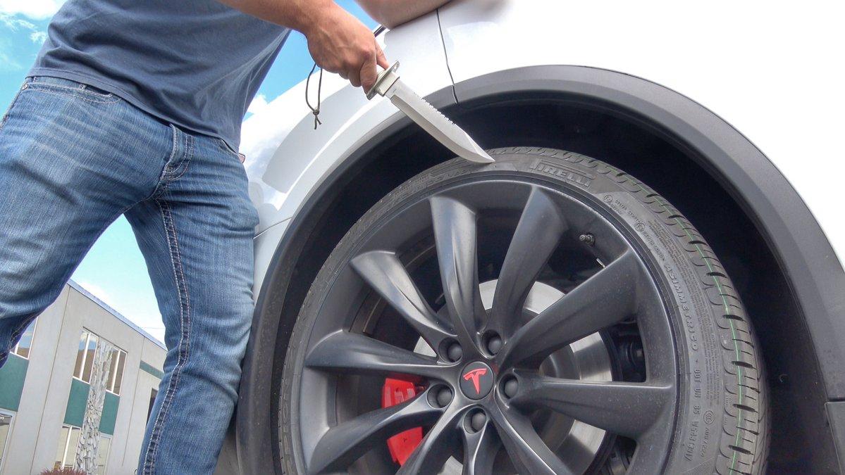Como é um pneu de um Tesla por dentro?