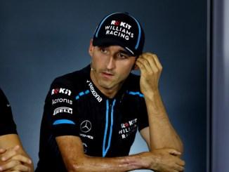 Kubica durante Rueda de Prensa de la FIA
