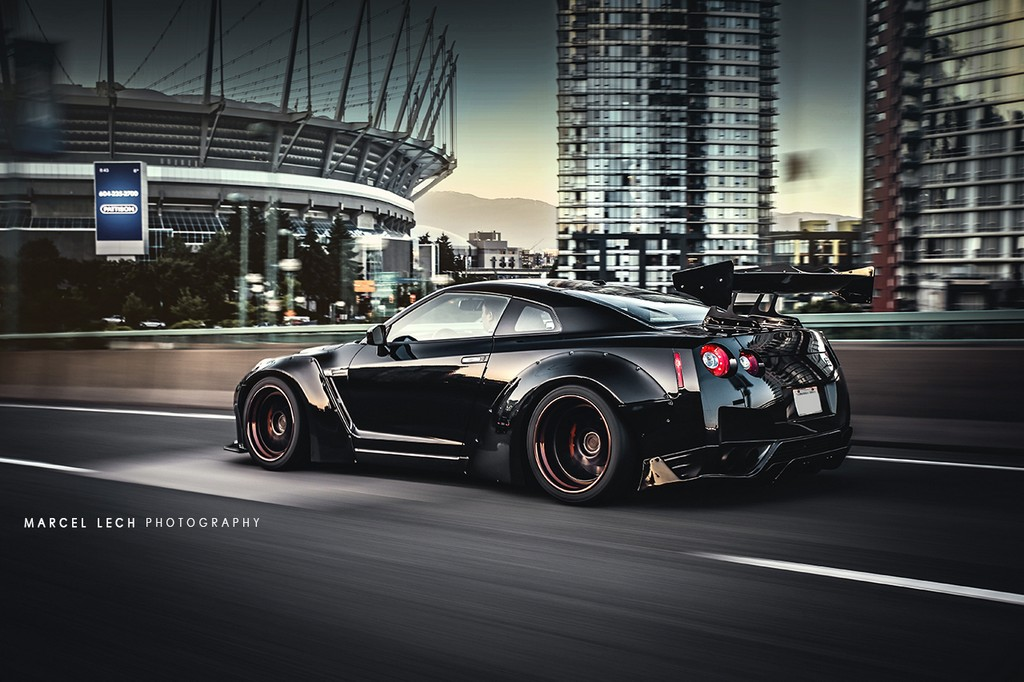 Liberty Walk Nissan GTR In Black
