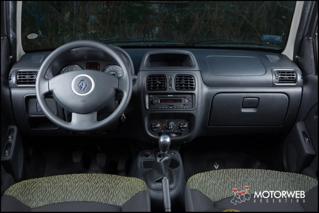 19 Renault Clio Mio Confort 5p Apk Mod Game