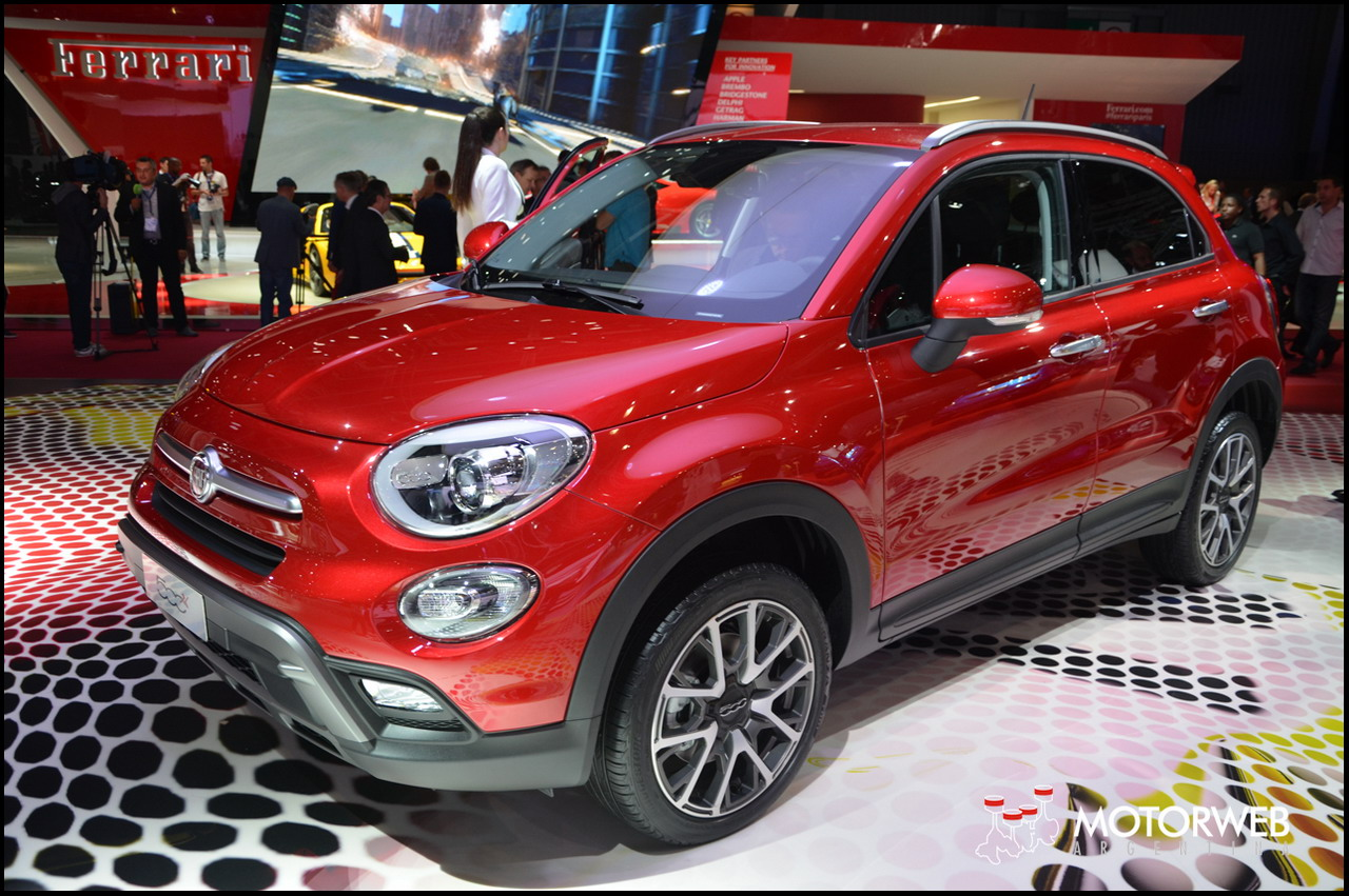 sal n de par s 2014 el nuevo fiat 500x. Black Bedroom Furniture Sets. Home Design Ideas