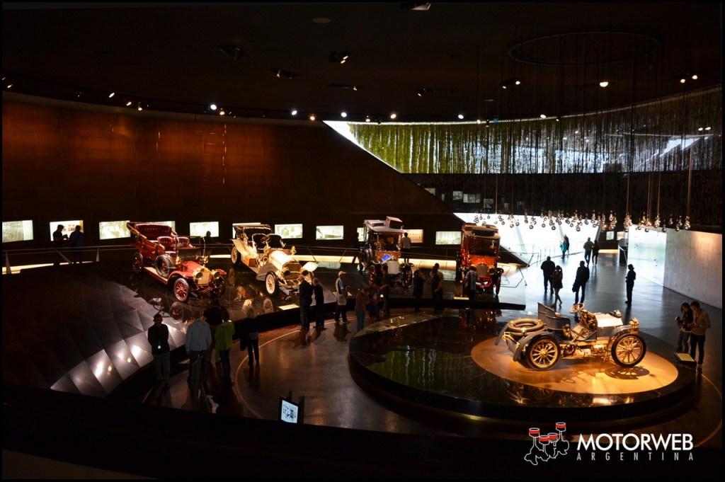 2015-09 Mercedes-Benz Museum Motorweb Argentina 050