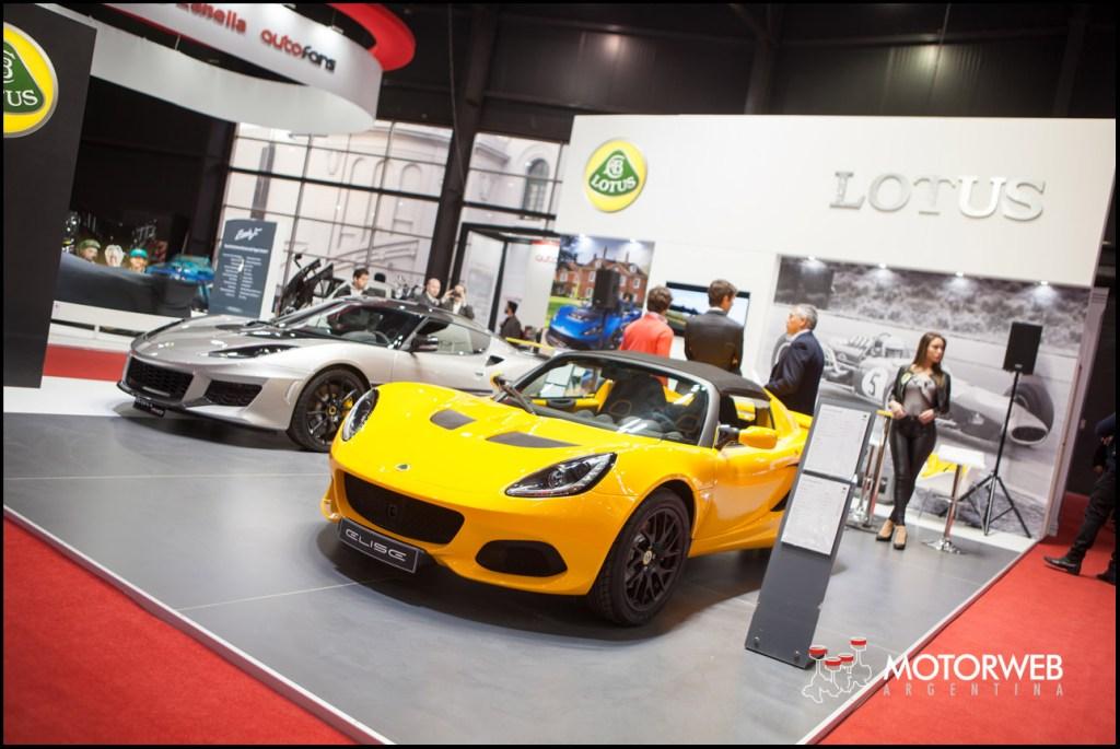 90541a84fab6 La primera conferencia de prensa en el inicio del Salón de Buenos Aires  anuncia la llegada de la marca Lotus a nuestro país. La marca de deportivos  ingleses ...