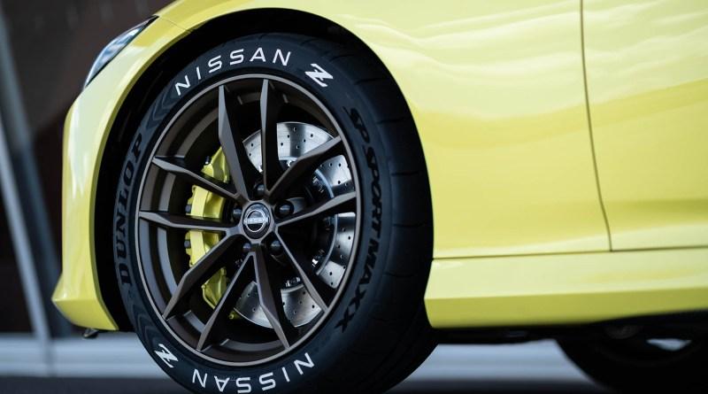 Nissan Z Proto Z wheel and brake caliper