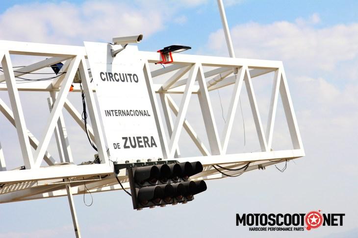 Carrera de Resistencia con Vespas y Lambretas 24 en el circuito de Zuera
