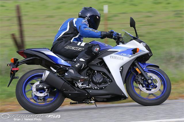 2015-Yamaha-R3