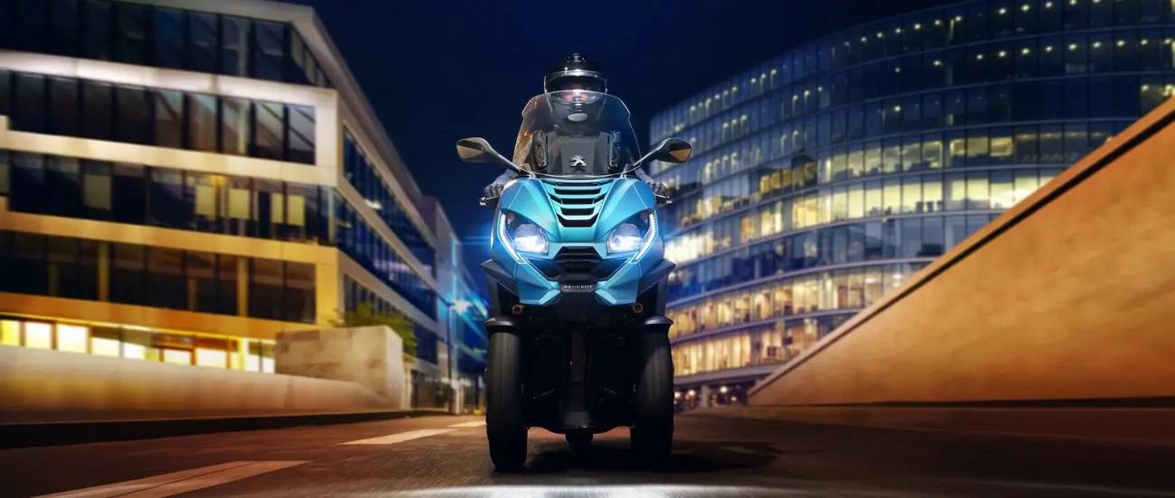 Bannière Peugeot Metropolis 400 2021