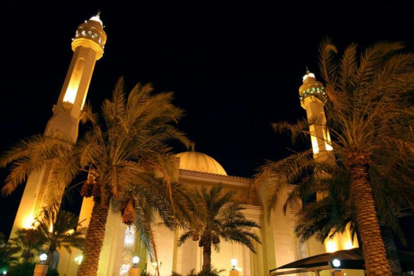 Bahrain-Al Fateh Grand Mosque-29JUL13-02