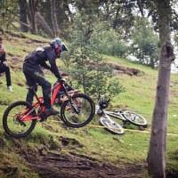 Carrera de downhill organizada por IDRD de Bogotá. Séptima Semana de la Bicicleta.  9 de Noviembre de 2014. Parque Nacional, Bogotá.