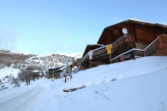 Chalet & Road
