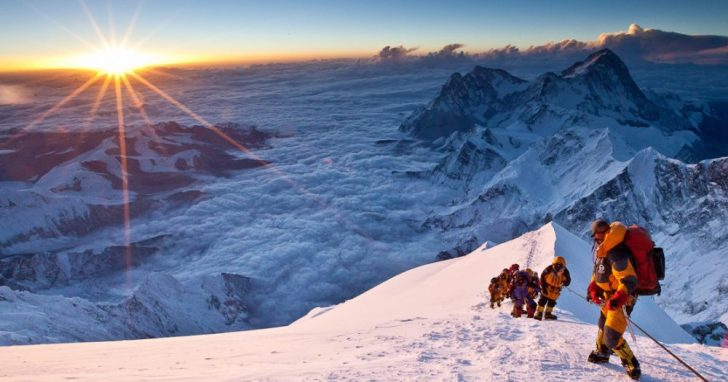 635781677285450154-Everest-Review-EMGN2