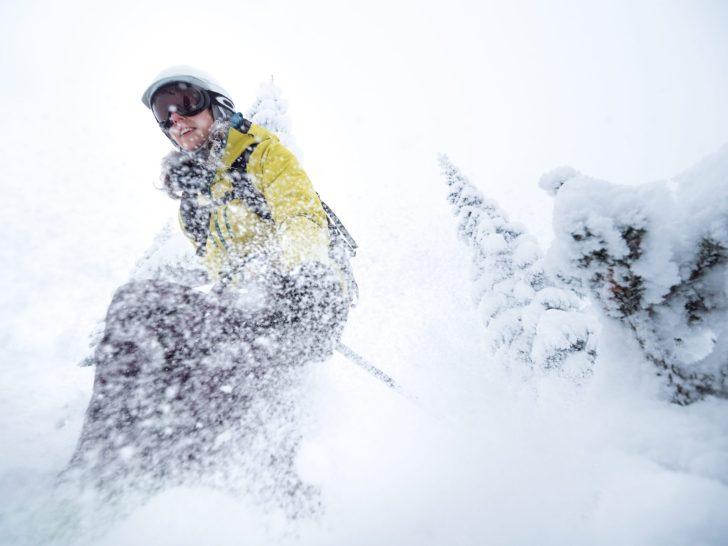 Ebba skiing powder