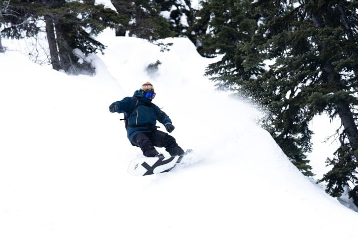 The-OV-A-Mid-layer-to-Rule-them-All-Dano-Pendygrasse-snowboarding-Jake-Sherman-photo