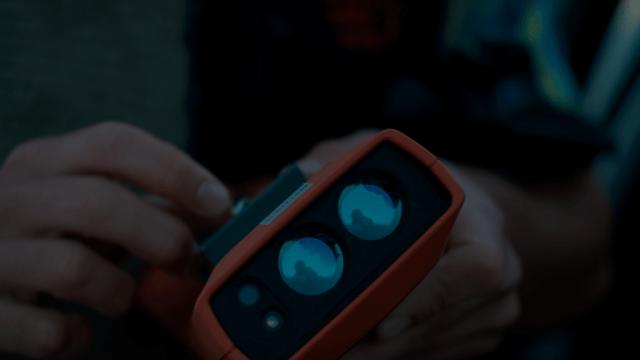 IKE GPS in hand