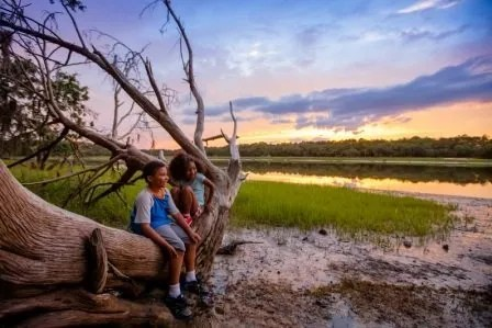2 kids on skidaway island, GA