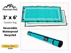 Reversible beach mat from waterproof recycled plastic in teal
