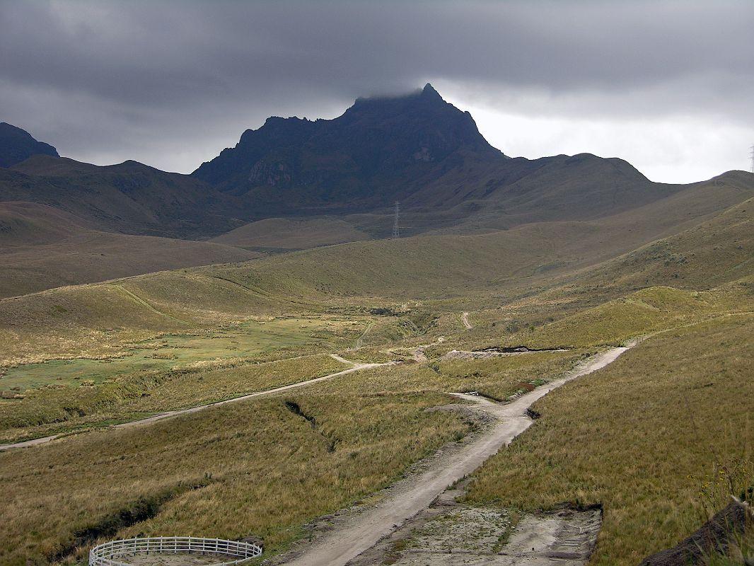 https://i2.wp.com/www.mountainsoftravelphotos.com/Ecuador%20Quito/Quito/slides/Ecuador%20Quito%2003-02%20TeleferiQo%20Ruca%20Pichincha.jpg