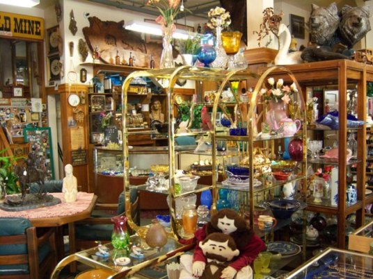 antiquesgreenvillesierratradin