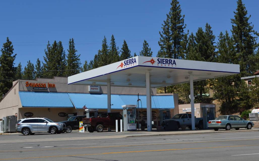New Burger Joint Rocks Portola! Sierra Super Stop PORTOLA, CA +1530.832.5251