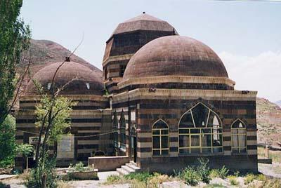 poet philosopher Ahmedi Xani Tomb photo