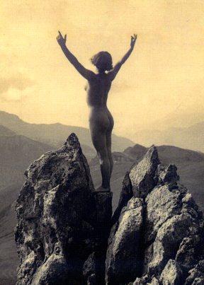 Nudo tra le rocce di Marcel Meys