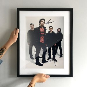 authentically signed stereophonics autograph