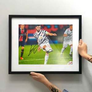 authentically-signed-bruno-fernandes-autograph-away