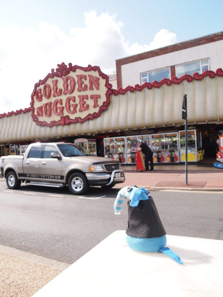 Arnold looks at the Golden Nugget Amusement Arcade (in Great Yarmouth)