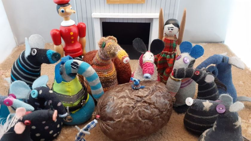 All the vaarks are admiring the haggis