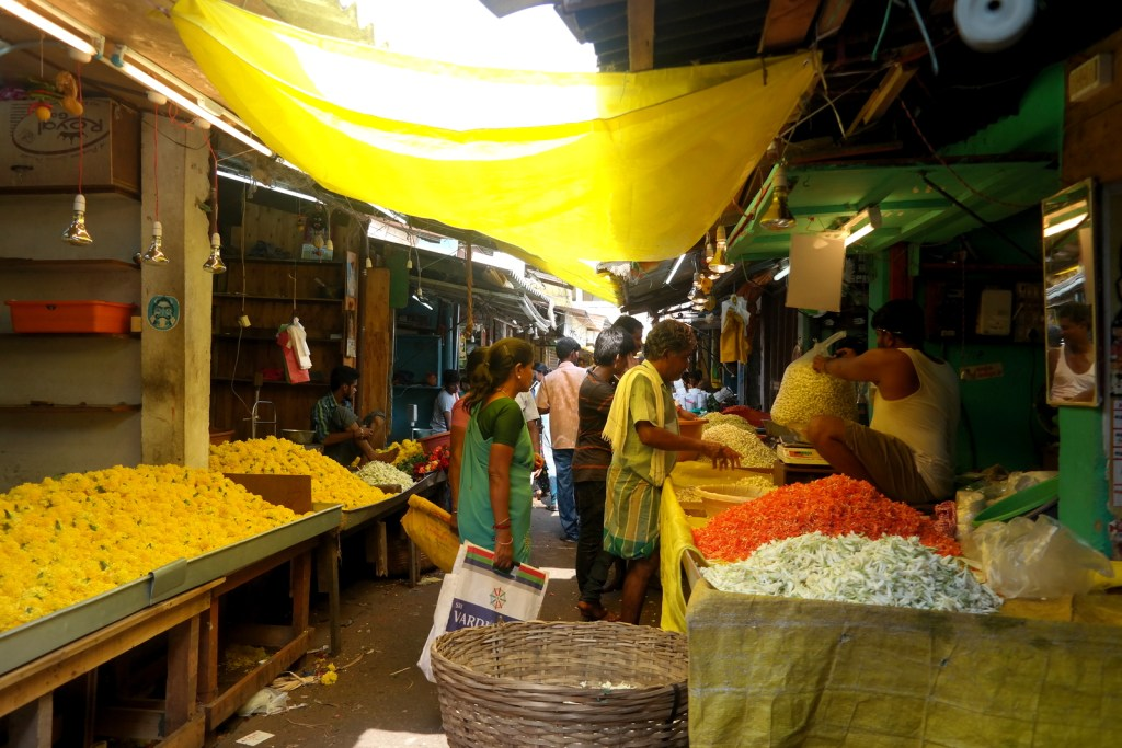 Move Our World Blog Voyage Top 3 Asie les Marchés du monde Pondichery Flower Market