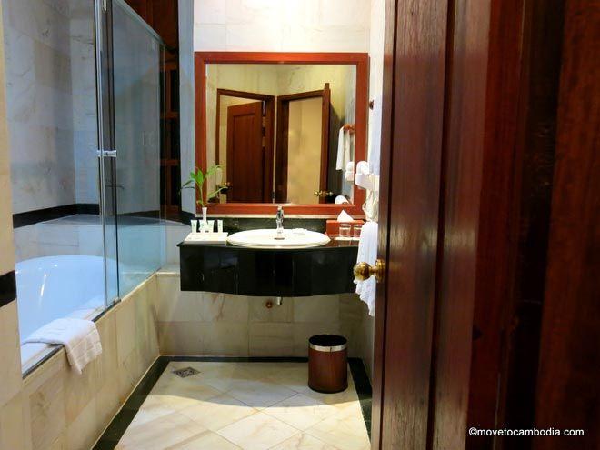 Sokhalay Angkor bathroom