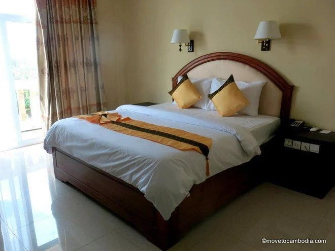 Classy Hotel Battambang room