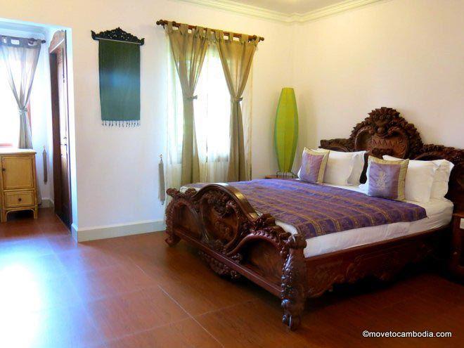 Delux Villa Battambang room