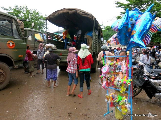Returning Cambodians from Thailand