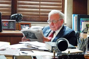 Becoming Warren Buffett review
